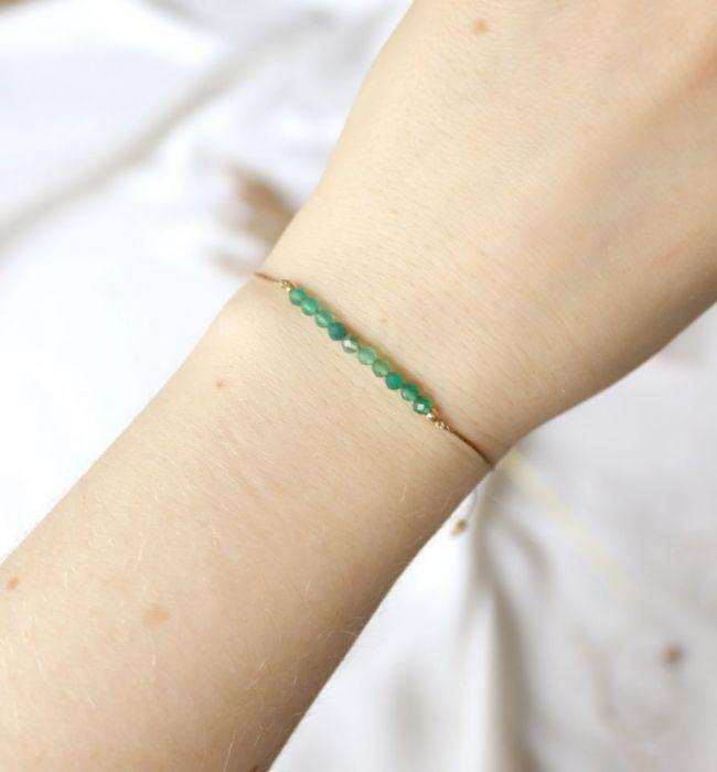 Bransoletka w stylu boho z zielonymi agatami - bransoletka na nadgarstek z zielonymi kuleczkami