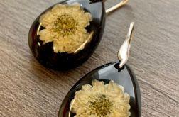 25. Kolczyki z żywicy i kwiatami srebro 925