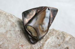 Opal w trójkącie