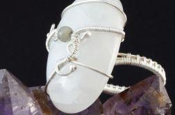 Kamień księzycowy srebrny pierścionek