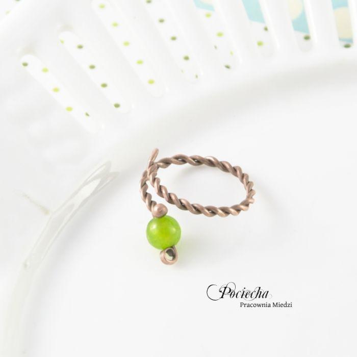 Green - pierścionek z jadeitem