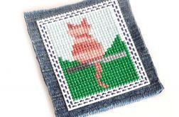 4633 broszka haft krzyżykowy rękodzieło