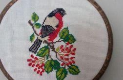 Haftowany ptak w tamborku- ramce - obrazek