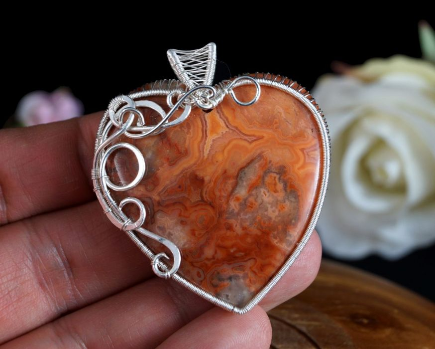 Srebrny wisior z Agatem Crazy Lace serce
