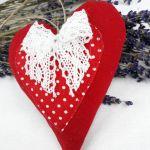 serca lawendowe czerwone z koronką