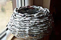 Koszyczek z gazetowej wikliny baryłka mała
