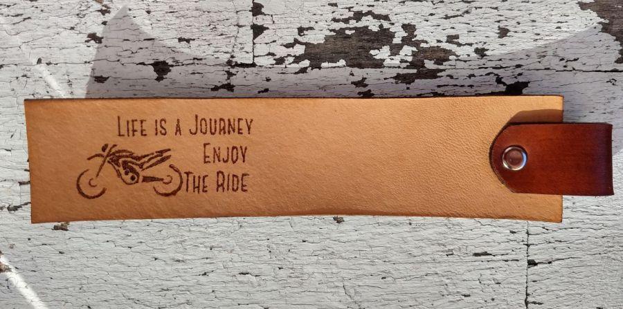 Skórzana zakładka do książki dla motocyklisty