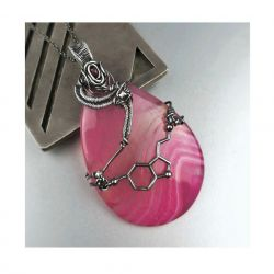 Serotonina. Srebrny duży wisiorek: agat rubin