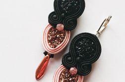 Czarno-różowe druzy