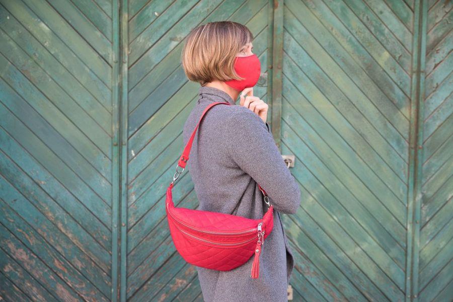 Nerka XL czerwona pikowana z frędzelkiem