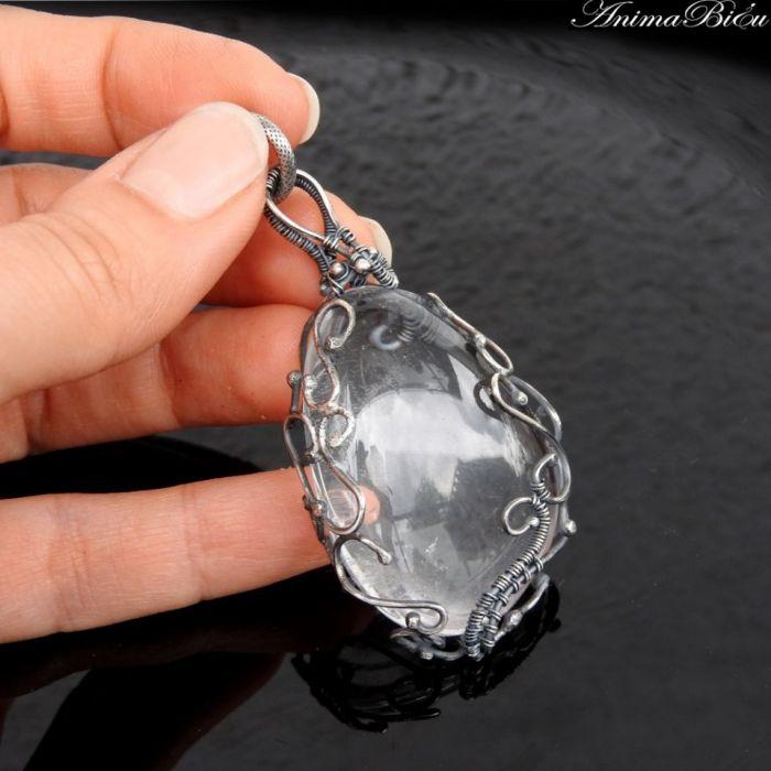Wisiorek srebrny z kryształem górskim