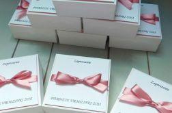 Zaproszenia na roczek w formie pudełka, box