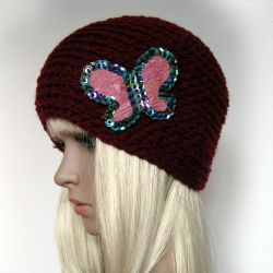 Bordowa czapeczka - z motylem