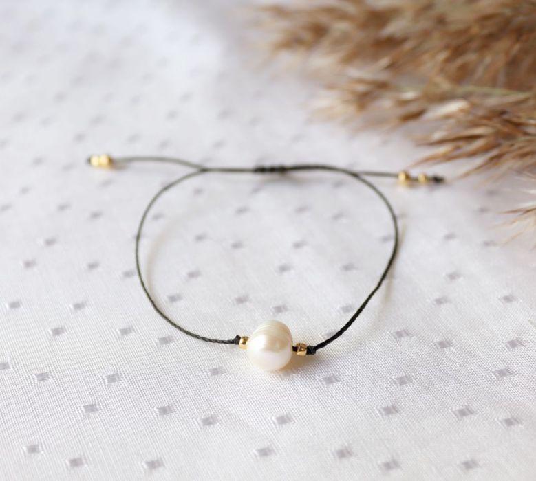 Subtelna bransoletka z perełką - czarna bransoletka z perłą