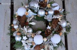 wianek świąteczny Bożonarodzeniowy biały