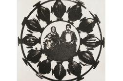 Portret w zegarze - grafika ręcznie wykonana