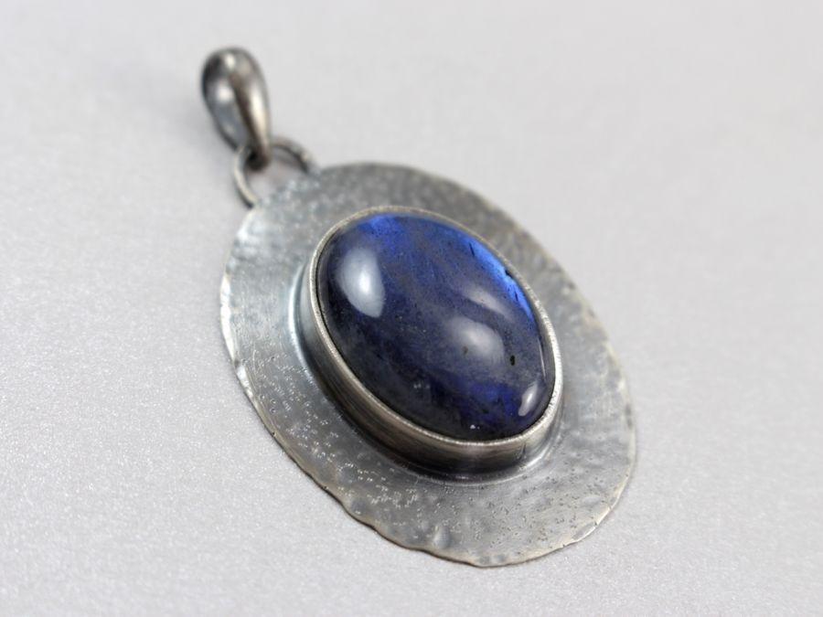 Labradoryt niebieski i srebro - wisior