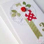 Kartka URODZINOWA czerwono-zielona - Czerwono-zielona kartka urodzinowa w przestrzennej kopercie