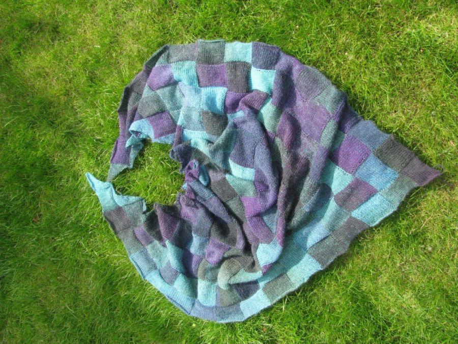 melanżowa chusta wełniana w kwadraty