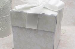 Pamiątkowe pudełko z wózeczkiem na Chrzest
