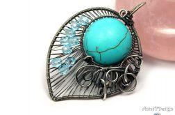 Howlit, srebrny wisior z howlitem niebieskim