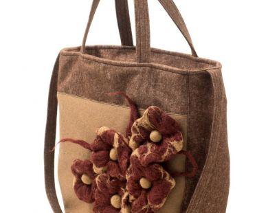 Anardeko 2014-015: Brązowa torebka z miękkiego filcu z motywem kwiatowym