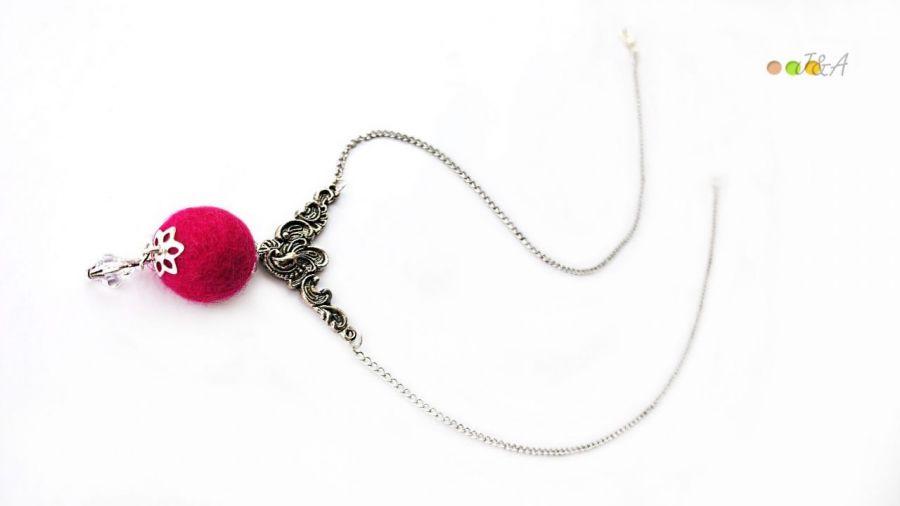 Naszyjnik z kulką w kolorze fuksji