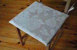 Komplet 4 poduszek na krzesła Białe kwiaty na lnie