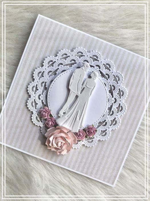 Kwiecista kartka ślubna z ornamentową ramką