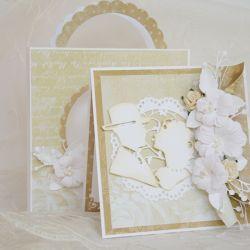 Kremowo delikatna kartka ślubna w komplecie z torebką. WZÓR.