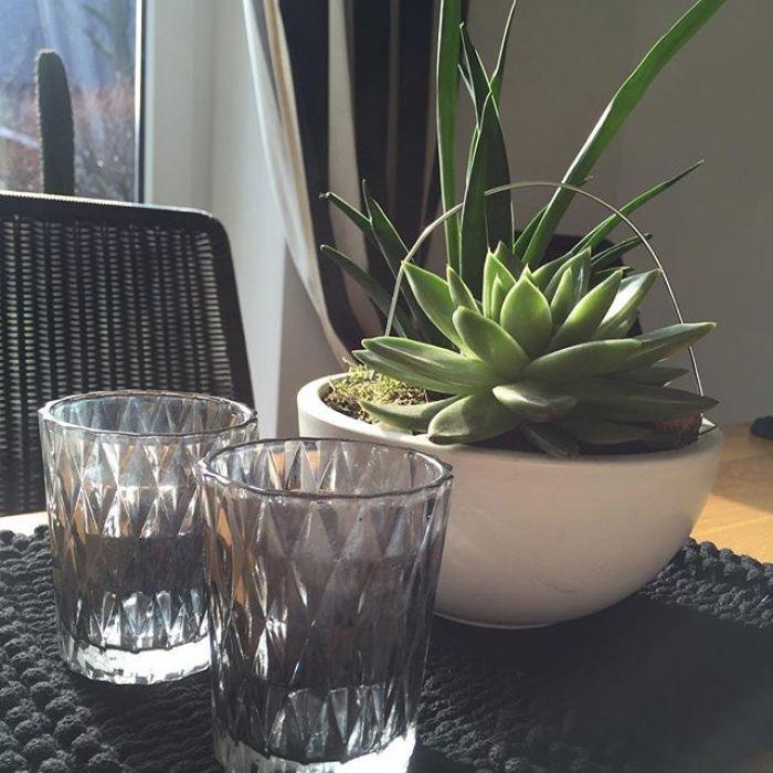 Podkładki pod talerze - czarne