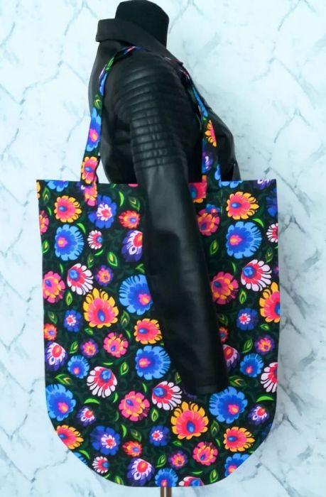 Torba XXL czarna wzór łowicki w kwiaty