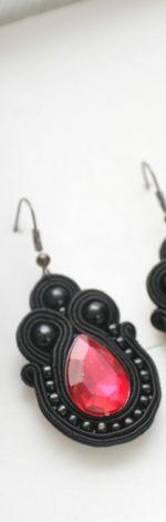 Małe kolczyki czarne z kryształkiem