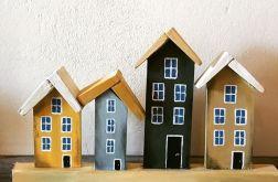 Wieszak- kolorowe, drewniane domki
