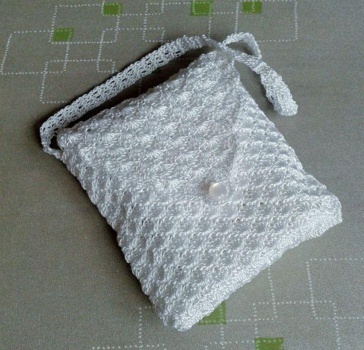 biała szydełkowa  torebka