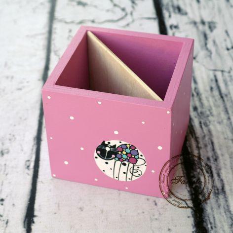 pudełko na kredki różowe