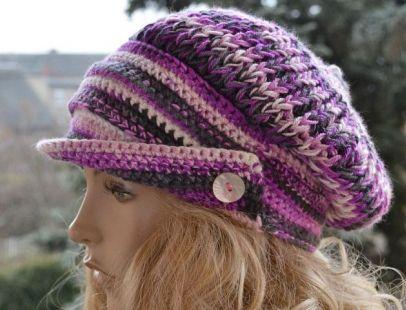 W kolorze szarym i purpury kaszkiet -czapka z daszkiem,unikalna i cieplutka ;o)