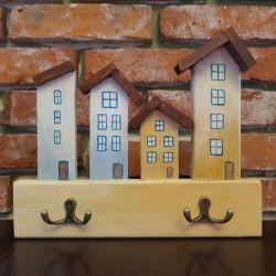Wieszak na klucze - beżowe domki