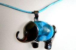 Słoń z niebieskim brzuszkiem, wisiorek, agat