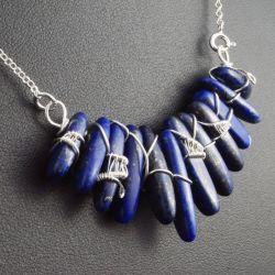 Lapis lazuli, srebrny naszyjnik z lapisem.