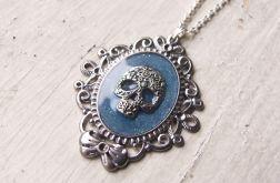 Naszyjnik pastel goth z czaszką, niebieski