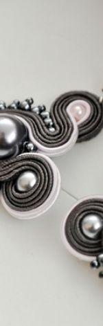 Kolczyki sutasz szare z perłą