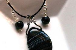 Delikatny zestaw biżuterii z czarnymi agatami