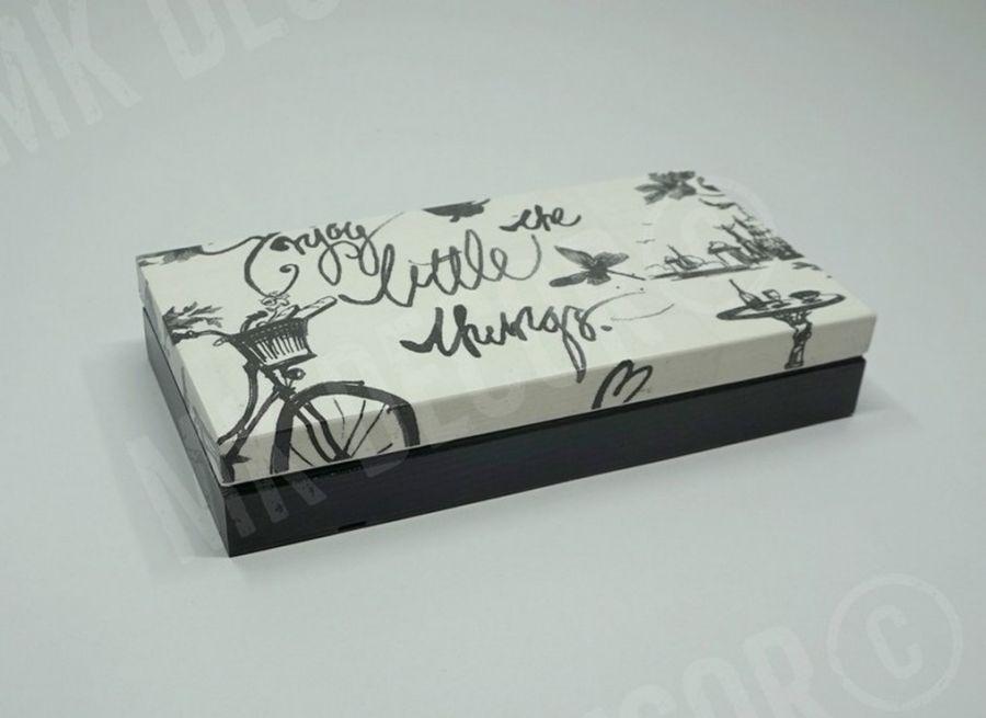 Drewniane prostokątne pudełko/szkatułka