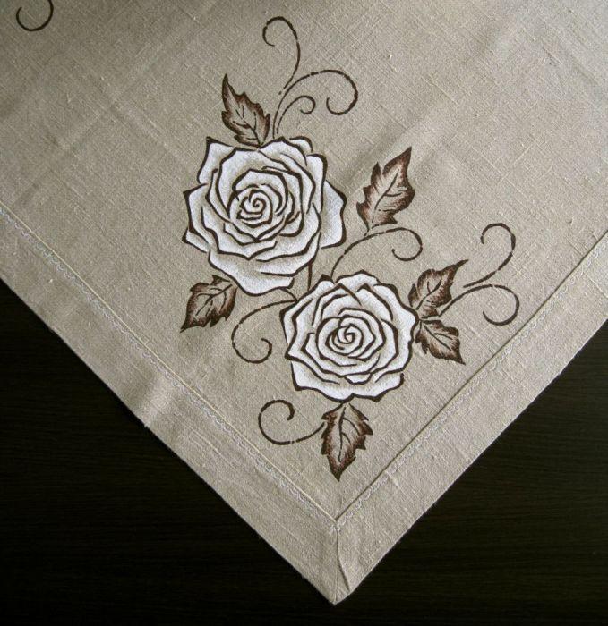Lniany obrus ręcznie malowany - Róże - Zbliżenie I