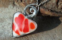 Serce w czerwieni i bieli