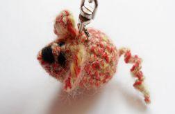 Brelok szydełkowy mysz 143