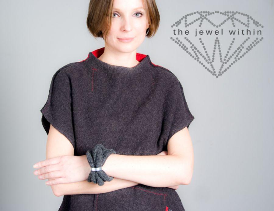 Bransoleta ciemno szara, wzór drugi- kolekcja Otulacze nadgarstków