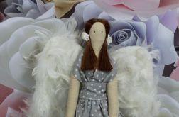 Anioł Tilda - brązowe włoski