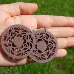 Kolczyki brązowe, okrągłe, a'la koronka